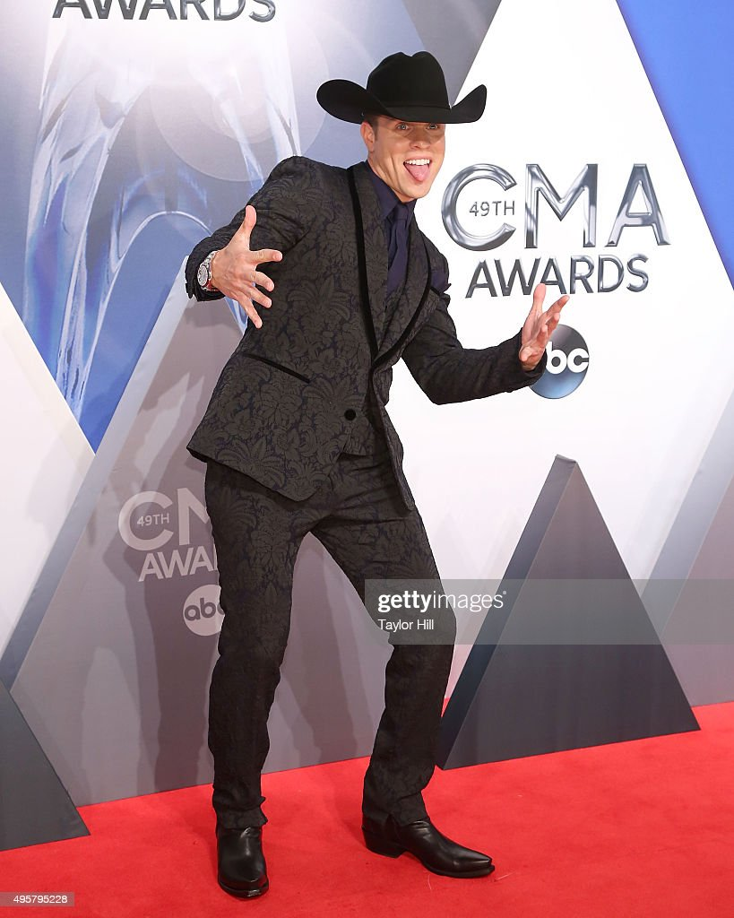 Dustin Lynch attends the 49th annual CMA Awards at the Bridgestone Arena on November 4, 2015 in Nashville, Tennessee.