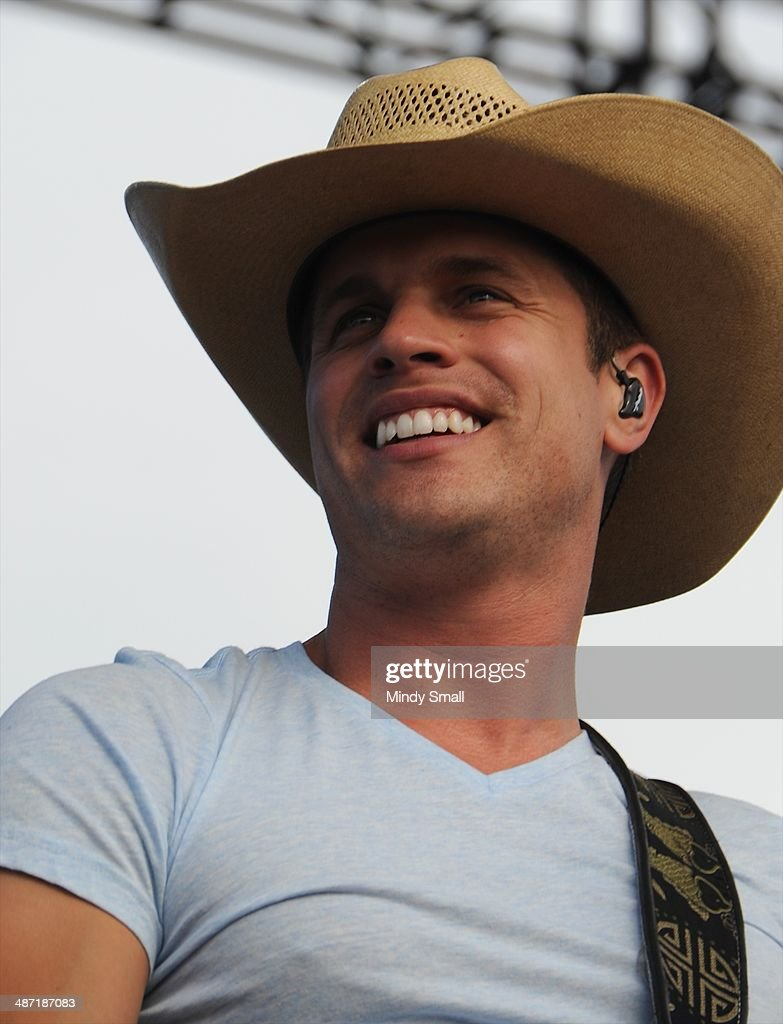 <a gi-track='captionPersonalityLinkClicked' href=/galleries/search?phrase=Dustin+Lynch&family=editorial&specificpeople=8612719 ng-click='$event.stopPropagation()'>Dustin Lynch</a> performs at the 2014 Stagecoach California's Country Music Festival at The Empire Polo Club on April 27, 2014 in Indio, California.