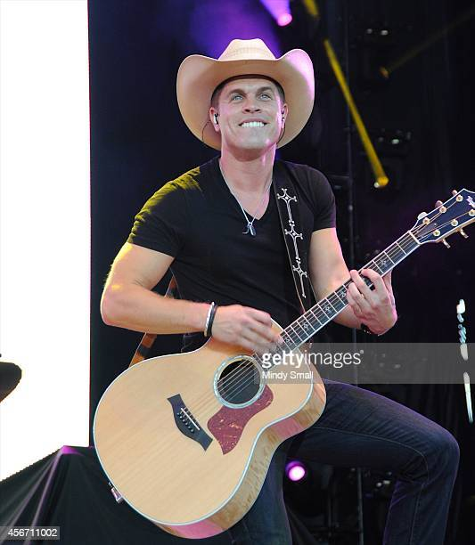 Dustin Lynch performs during the Route 91 Harvest country music festival at the MGM Resorts Village on October 5 2014 in Las Vegas Nevada