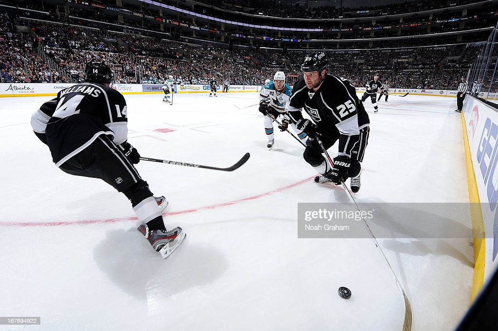 <a gi-track='captionPersonalityLinkClicked' href=/galleries/search?phrase=Dustin+Penner&family=editorial&specificpeople=589919 ng-click='$event.stopPropagation()'>Dustin Penner</a> #25 of the Los Angeles Kings skates with the puck against the San Jose Sharks at Staples Center on April 27, 2013 in Los Angeles, California.