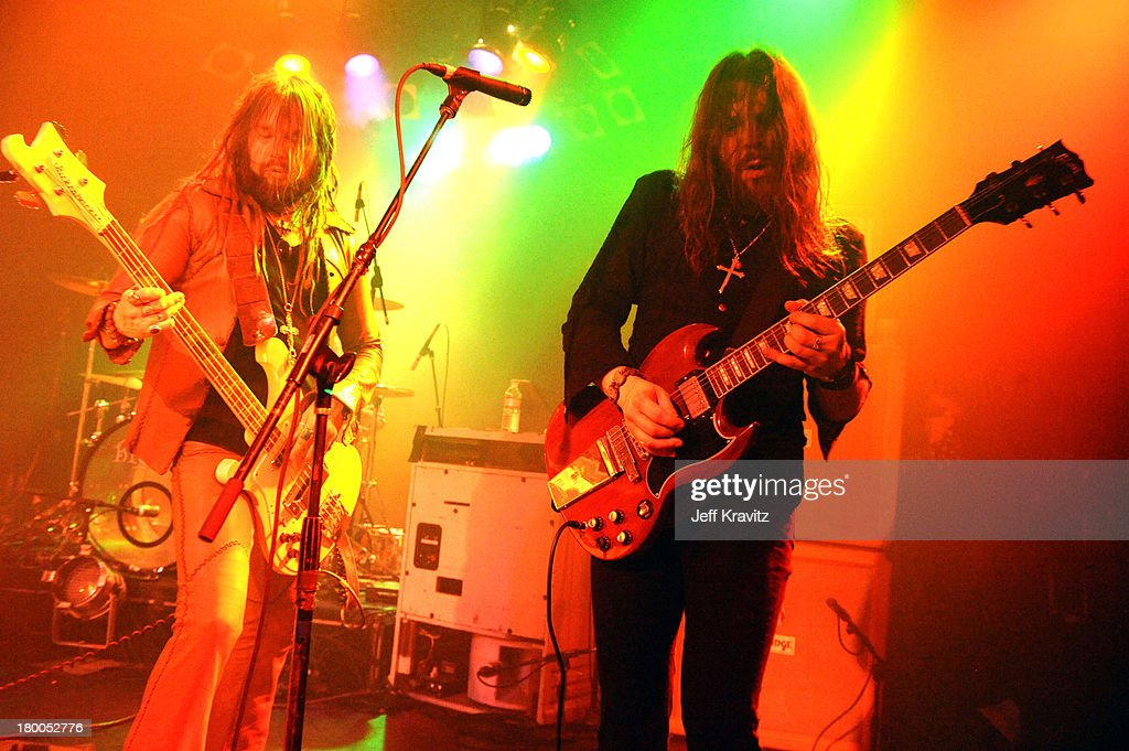 Dusty Snowhill and Ace Mark of Big Elf preforms at The Roxy Theatre on May 18, 2010 in West Hollywood, California.