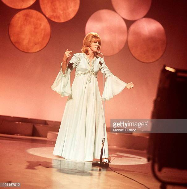 Dusty Springfield performing on Lulu's BBC TV show 'It's Lulu' London September 1970