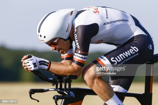Dutch cyclist Tom Dumoulin takes part in the Dutch championship cyclocross in 'sHeerenberg on June 21 2017 / AFP PHOTO / ANP / Vincent JANNINK /...