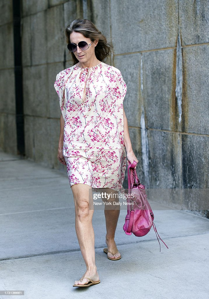 Dutch economist Heleen Mees accused of cyber stalking Citigroup big Willem Buiter donned a floral print dress for her outing to the nail salon just days after her release from jail. Brooklyn plumber Leon Alfonso, the man who paid $5,000 to bailed out ex-NYU professor Mees from jail, said he had not heard from Mees, but did not expect her to contact him.