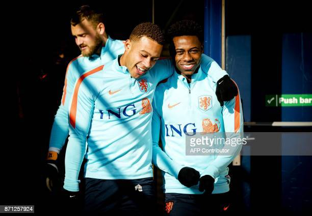 Dutch football player Memphis Depay and teammates take part in a training session of the Dutch national football team in Katwijk The Netherlands on...