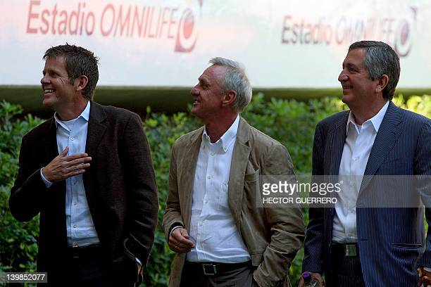 Dutch former football player Johan Cruyff walks next to Dutch Todd Beane and Mexican Jorge Vergara owner of Chivas football team at Omnilife stadium...