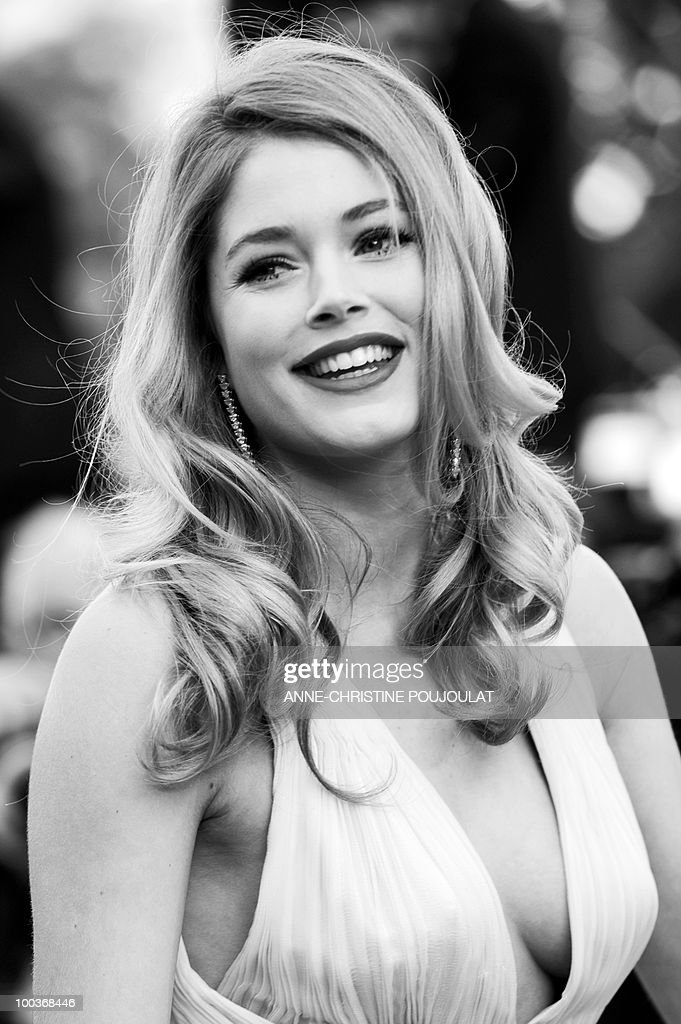 Dutch model Doutzen Kroes arrives for the screening of 'Des Hommes et des Dieux' (Of God and Men) presented in competition at the 63rd Cannes Film Festival on May 18, 2010 in Cannes.