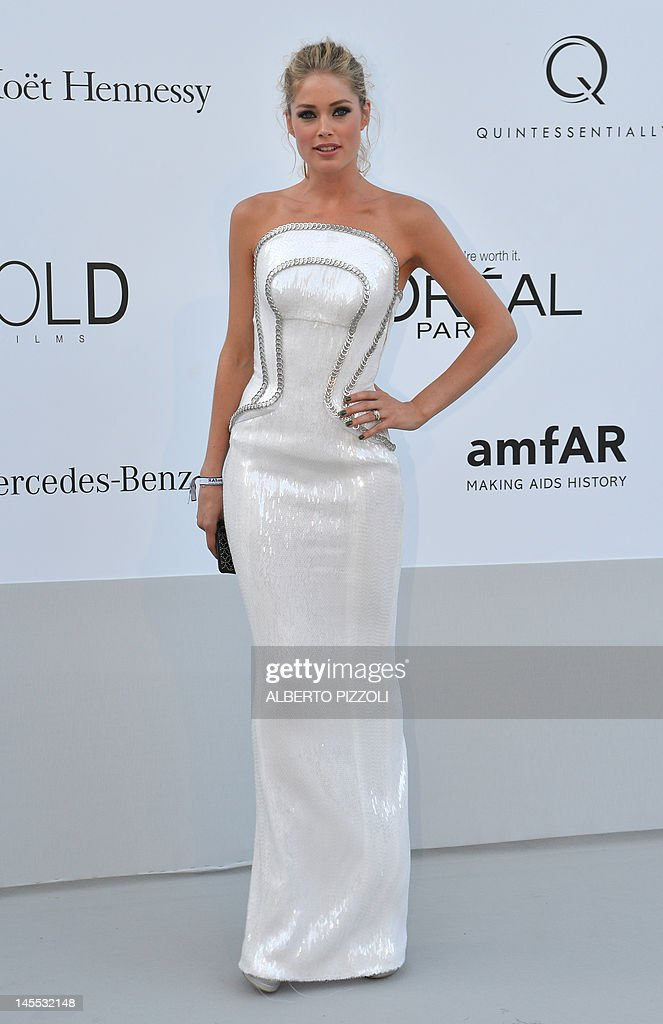 Dutch model Doutzen Kroes arrives to attend the 2012 amfAR's Cinema Against Aids on May 24, 2012 in Antibes, southeastern France.