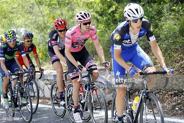 Dutch pink jersey Tom Dumoulin rides during the 7th stage of the 99th Giro d'Italia Tour of Italy between Sulmona and Foligno on May 13 2016 / AFP /...