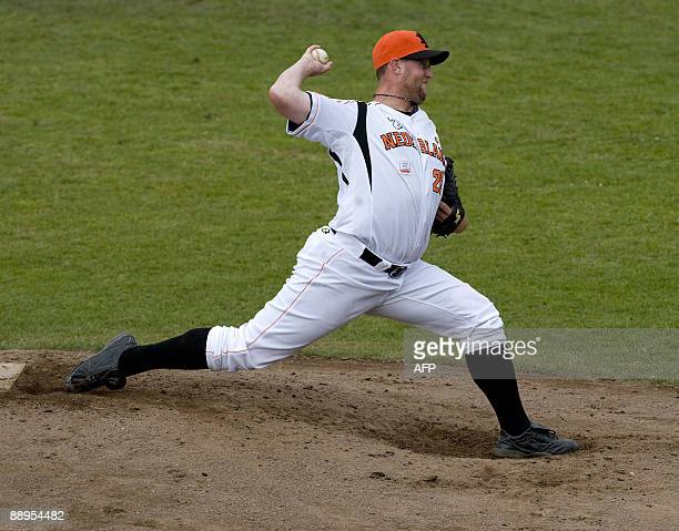 Dutch pitcher David Bergman throws a pitch against Japan during the World Port Honkbal Tournament 2009 in Rotterdam on July 9 2009 AFP PHOTO/ANP ED...