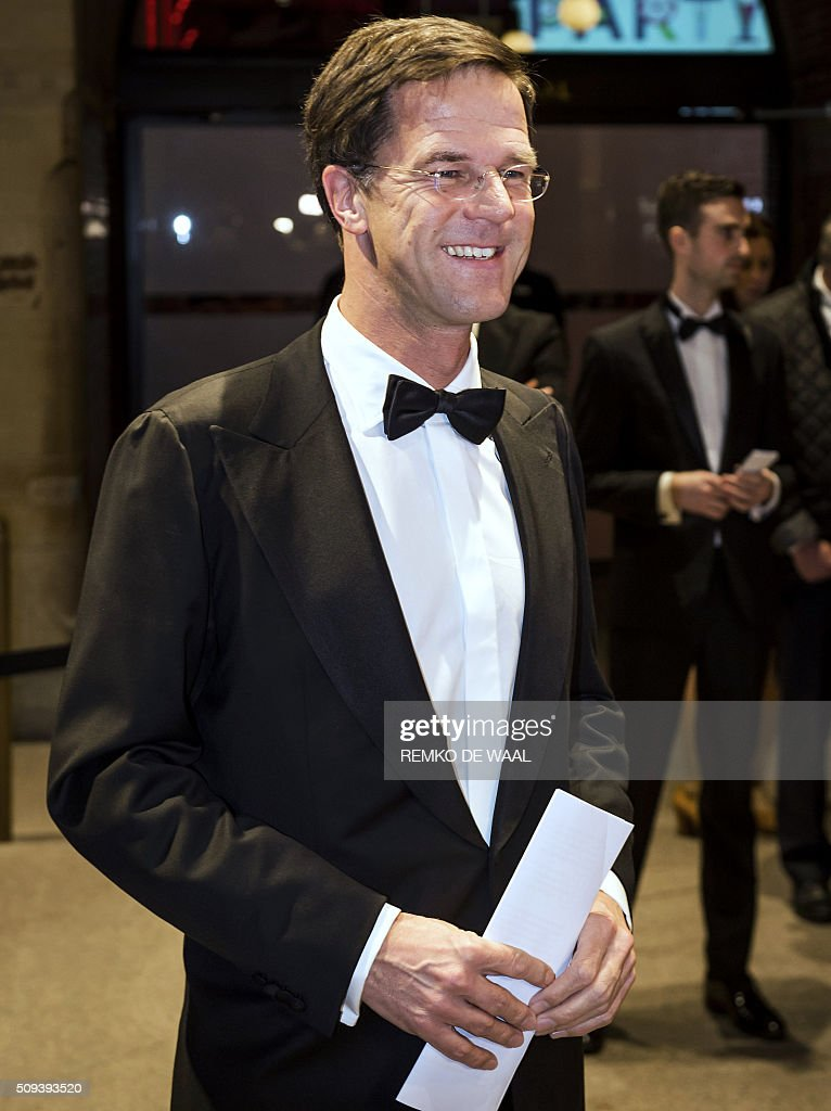 Dutch Prime Minister Mark Rutte arrives at the Beurs van Berlage in Amsterdam, during the first edition of the Dutch Correspondents Dinner, on February 10, 2016. Dutch Prime Minister Mark Rutte spoke during this first event, initiated by famous Dutch TV presenter Twan Huys. / AFP / ANP / REMKO DE WAAL / Netherlands OUT
