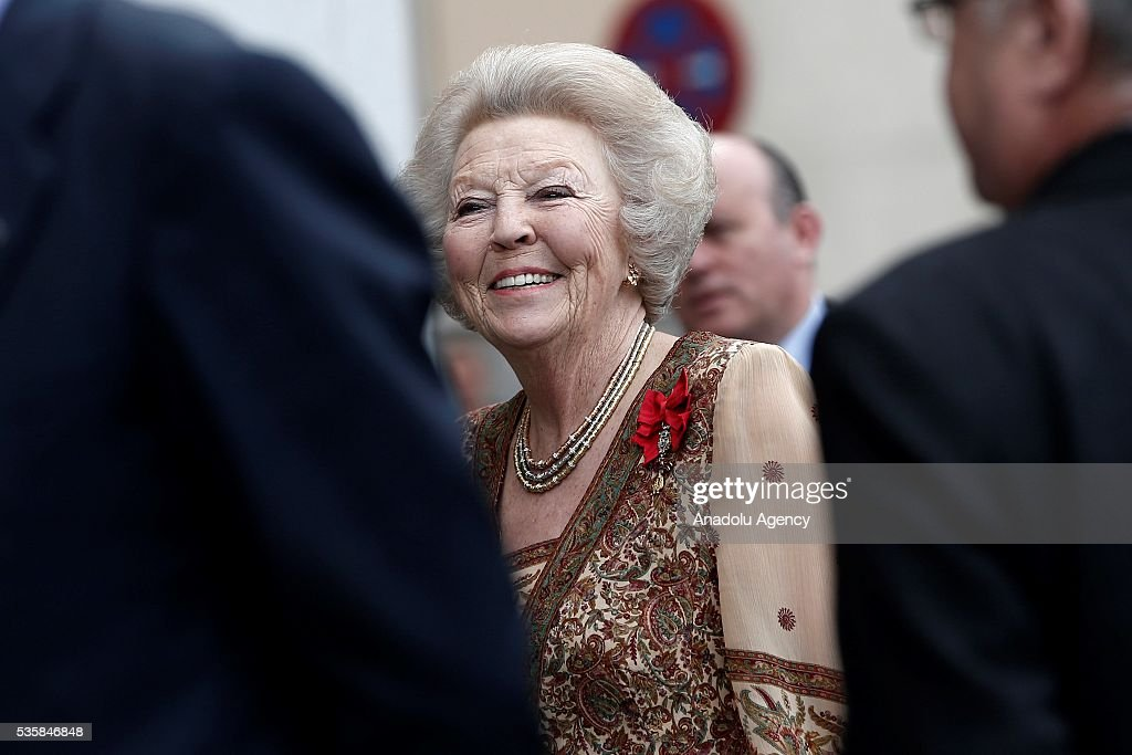 Dutch Princess Beatrix Wilhelmina Armgard (R) attends '500th anniversary of the death of Dutch painter Hieronymus Bosch' event at the Prado museum in Madrid, Spain on May 30, 2016.