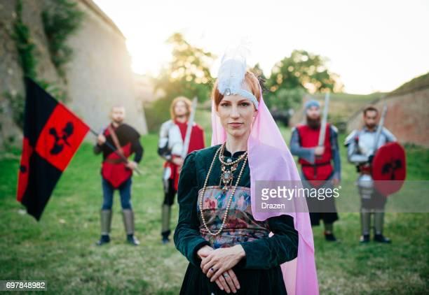 Niederländische Prinzessin mit Ehrenwache nahe der Burg