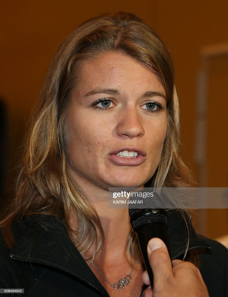 Dutch athlete Dafne Schippers talks to the press in the Qatari capital Doha on May 5, 2016, on the eve of the Diamond League athletics meeting. / AFP / KARIM