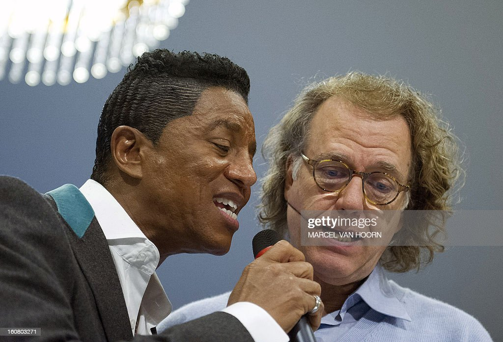 Dutch violinist and conductor Andre Rieu (R) rehearses with US singer Jermaine Jackson in his studio in Maastricht, the Netherlands on February 6, 2013. Rieu and the elder brother of late US pop legend Michael Jackson are working on a new project. AFP PHOTO / ANP / MARCEL VAN HOORN netherlands out