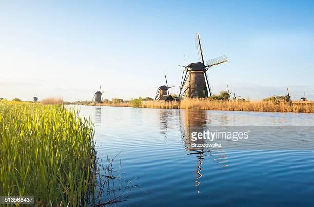 オランダの風車の Kinderdijk (オランダ)