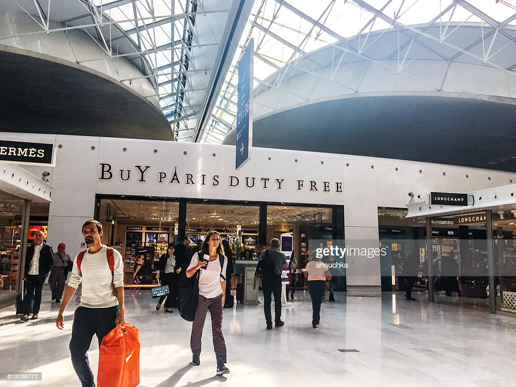 Duty free shop at Roissy airport, Paris, France : Photo