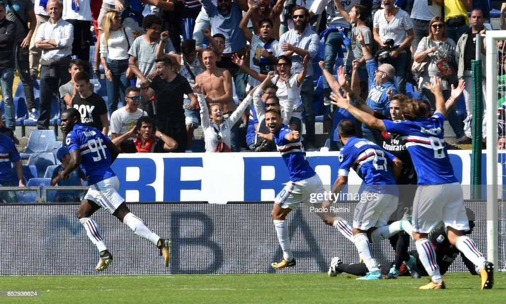 Duvan Zapata of Sampdoria celebrates after scoring during the Serie A match between UC Sampdoria and AC Milan at Stadio Luigi Ferraris on September 24, 2017 in Genoa, Italy.
