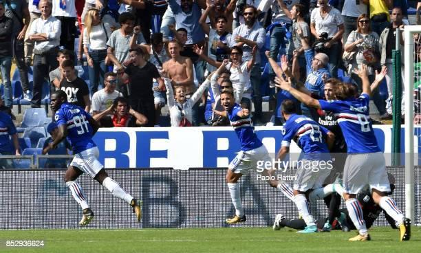 Duvan Zapata of Sampdoria celebrates after scoring during the Serie A match between UC Sampdoria and AC Milan at Stadio Luigi Ferraris on September...