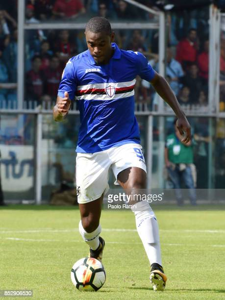 Duvan Zapata of Sampdoria in action during the Serie A match between UC of Sampdoria and AC of Milan at Stadio Luigi Ferraris on September 24 2017 in...