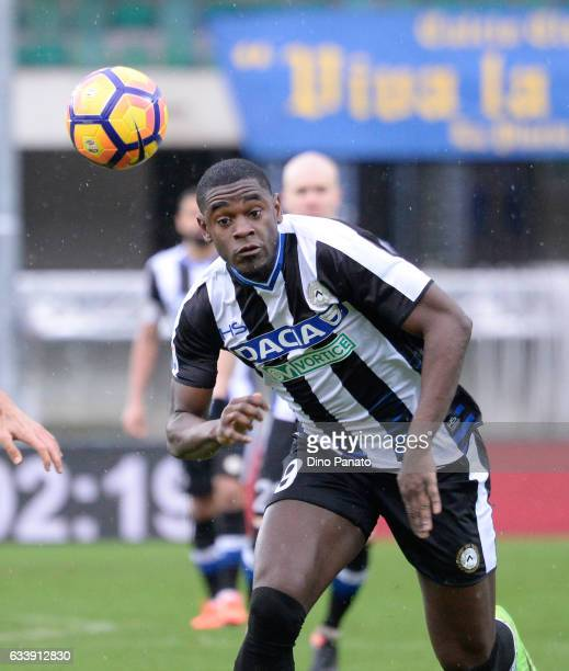 Duvan Zapata of Udinese Calcio in action during the Serie A match between AC ChievoVerona and Udinese Calcio at Stadio Marc'Antonio Bentegodi on...