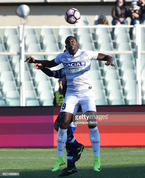 Duvan Zapata of Udinese Calcio in action during the Serie A match between Pescara Calcio and Udinese Calcio at Adriatico Stadium on March 12 2017 in...