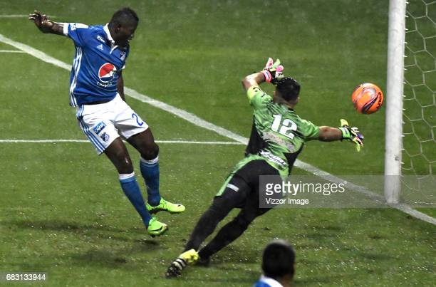 Duvier Riascos of Millonarios shoots to score a goal to Tigres FC during the match between Tigres and Millonarios as part of the Liga Aguila I 2017...