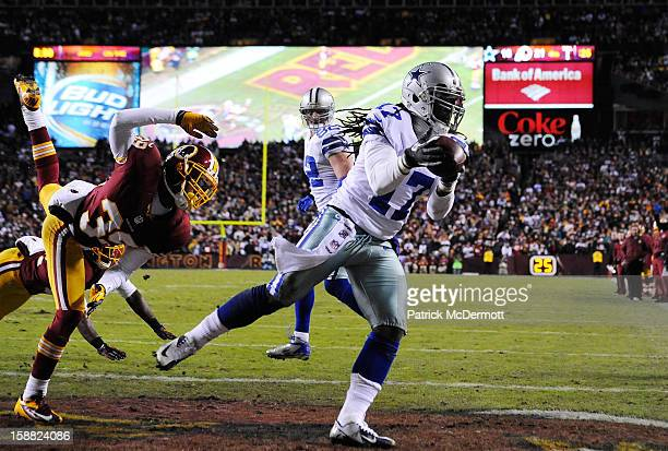 Dwayne Harris of the Dallas Cowboys catches a pass for a twopoint conversion in the fourth quarter against the Washington Redskins at FedExField on...