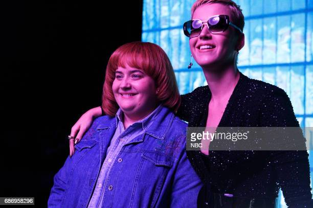 LIVE 'Dwayne Johnson' Episode 1725 Pictured Aidy Bryant as Kathleen Bell Katy Perry during 'Rap Song'