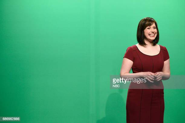 LIVE 'Dwayne Johnson' Episode 1725 Pictured Vanessa Bayer as Dawn Lazarus Weekend Meteorologist during 'Weekend Update' in Studio 8H on May 20 2017