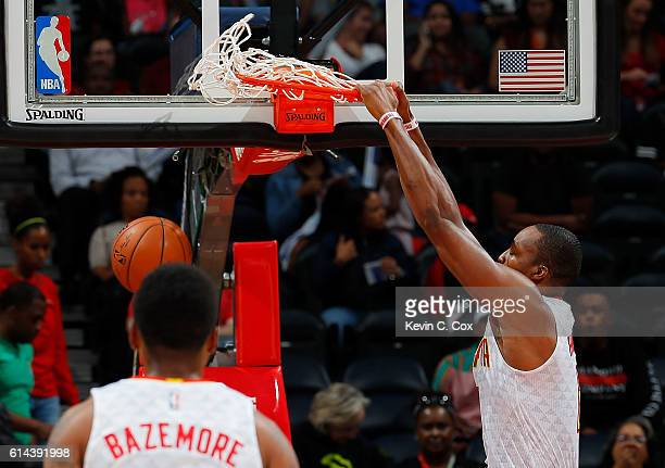 Dwight Howard of the Atlanta Hawks dunks against the Detroit Pistons at Philips Arena on October 13 2016 in Atlanta Georgia NOTE TO USER User...