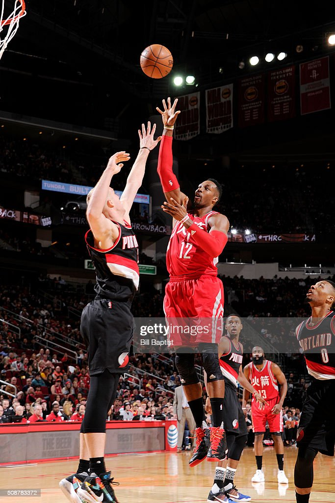 <a gi-track='captionPersonalityLinkClicked' href=/galleries/search?phrase=Dwight+Howard&family=editorial&specificpeople=201570 ng-click='$event.stopPropagation()'>Dwight Howard</a> #12 of the Houston Rockets shoots the ball against the Portland Trail Blazers on February 6, 2016 at the Toyota Center in Houston, Texas.