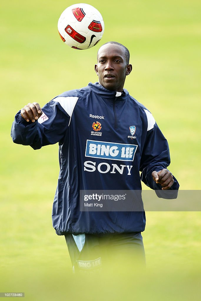<a gi-track='captionPersonalityLinkClicked' href=/galleries/search?phrase=Dwight+Yorke&family=editorial&specificpeople=206855 ng-click='$event.stopPropagation()'>Dwight Yorke</a> contols the ball during a Sydney FC A-League training session ahead of the Sydney FC v Everton Tour Down Under match on July 10, at Macquarie University Fields on July 9, 2010 in Sydney, Australia.