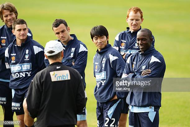 Dwight Yorke is introduced to team mates by Sydney FC coach Vitezslav Lavicka during a Sydney FC ALeague training session ahead of the Sydney FC v...