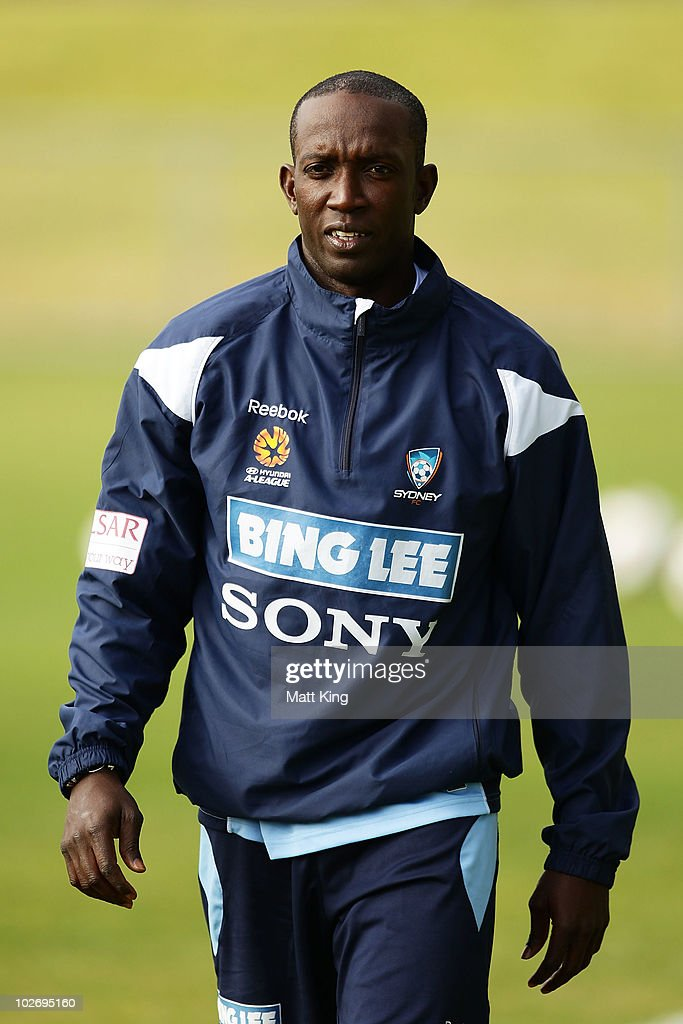 <a gi-track='captionPersonalityLinkClicked' href=/galleries/search?phrase=Dwight+Yorke+-+Soccer+Player&family=editorial&specificpeople=206855 ng-click='$event.stopPropagation()'>Dwight Yorke</a> prepares during a Sydney FC A-League training session ahead of the Sydney FC v Everton Tour Down Under match on July 10, at Macquarie University Fields on July 8, 2010 in Sydney, Australia.