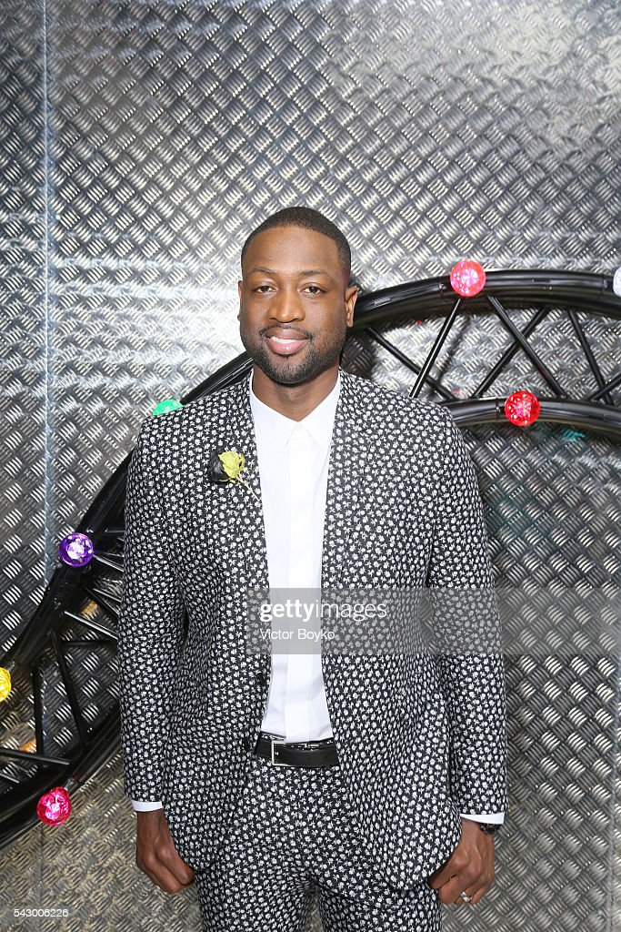 Dwyane Wade attends the Dior Homme Menswear Spring/Summer 2017 show as part of Paris Fashion Week on June 25 2016 in Paris France