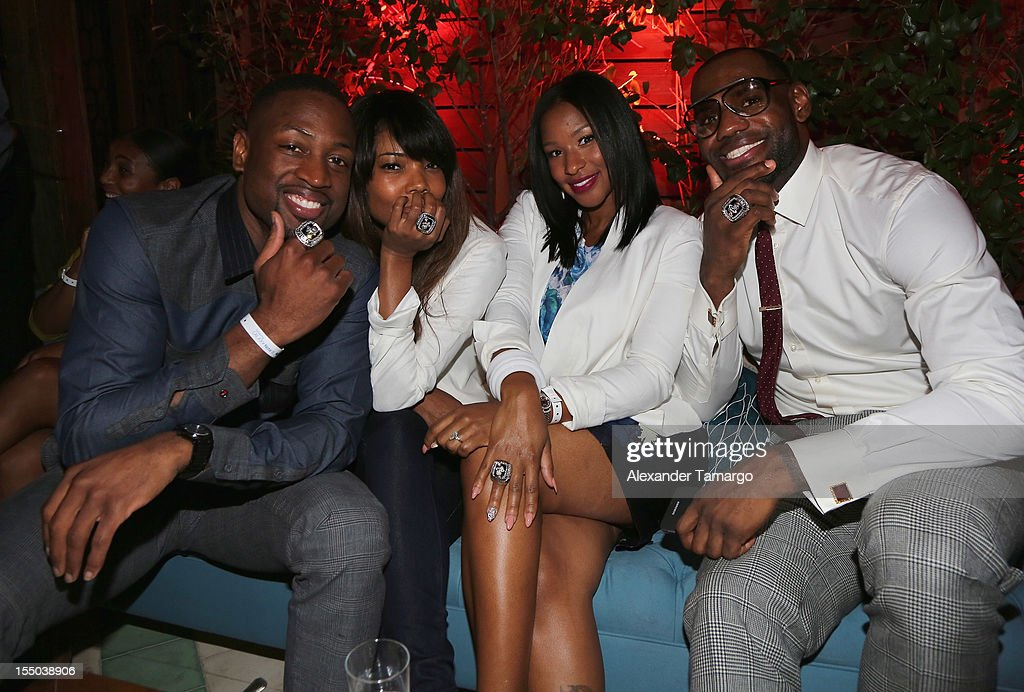 <a gi-track='captionPersonalityLinkClicked' href=/galleries/search?phrase=Dwyane+Wade&family=editorial&specificpeople=201481 ng-click='$event.stopPropagation()'>Dwyane Wade</a>, <a gi-track='captionPersonalityLinkClicked' href=/galleries/search?phrase=Gabrielle+Union&family=editorial&specificpeople=202066 ng-click='$event.stopPropagation()'>Gabrielle Union</a>, <a gi-track='captionPersonalityLinkClicked' href=/galleries/search?phrase=Savannah+Brinson&family=editorial&specificpeople=4319994 ng-click='$event.stopPropagation()'>Savannah Brinson</a>, and <a gi-track='captionPersonalityLinkClicked' href=/galleries/search?phrase=LeBron+James&family=editorial&specificpeople=201474 ng-click='$event.stopPropagation()'>LeBron James</a> attend Samsung Galaxy Note II Presents: The Next Big Thing & The Ring at Soho Beach House Miami on October 30, 2012 in Miami Beach, Florida.