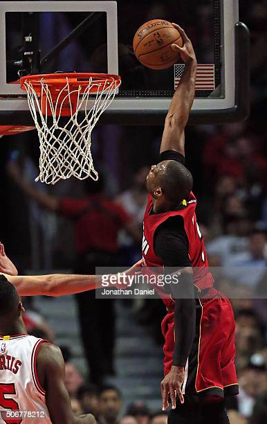 Dwyane Wade of the Miami Heat dunks aganst the Chicago Bulls at the United Center on January 25 2016 in Chicago Illinois The Heat defeated the Bulls...