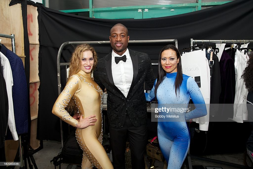 <a gi-track='captionPersonalityLinkClicked' href=/galleries/search?phrase=Dwyane+Wade&family=editorial&specificpeople=201481 ng-click='$event.stopPropagation()'>Dwyane Wade</a> (C) poses backstage during NBA Champion <a gi-track='captionPersonalityLinkClicked' href=/galleries/search?phrase=Dwyane+Wade&family=editorial&specificpeople=201481 ng-click='$event.stopPropagation()'>Dwyane Wade</a>'s Night On The RunWade to benefit Wade's World Foundation on September 26, 2013 in Miami, Florida.