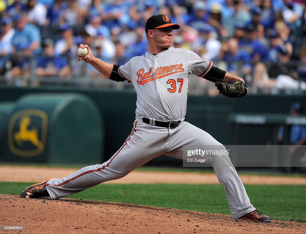 <a gi-track='captionPersonalityLinkClicked' href=/galleries/search?phrase=Dylan+Bundy&family=editorial&specificpeople=7948654 ng-click='$event.stopPropagation()'>Dylan Bundy</a> #37 of the Baltimore Orioles throws in the eighth inning against the Kansas City Royals at Kauffman Stadium on April 24, 2016 in Kansas City, Missouri.