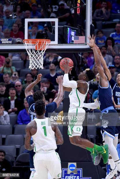 Dylan Ennis of the Oregon Ducks shoots the ball against the Rhode Island Rams during the second round of the 2017 NCAA Men's Basketball Tournament at...