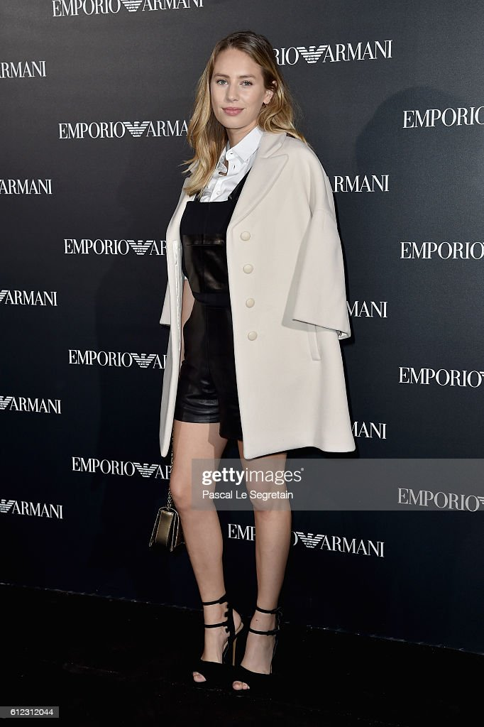 dylan-frances-penn-attends-the-emporio-armani-show-as-part-of-the-picture-id612312044