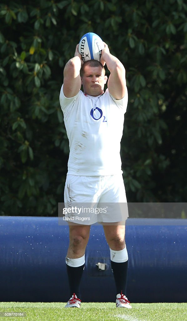 <a gi-track='captionPersonalityLinkClicked' href=/galleries/search?phrase=Dylan+Hartley&family=editorial&specificpeople=764177 ng-click='$event.stopPropagation()'>Dylan Hartley</a> prepares to throw the ball during the England training session held at Pennyhill Park on February 12, 2016 in Bagshot, England.