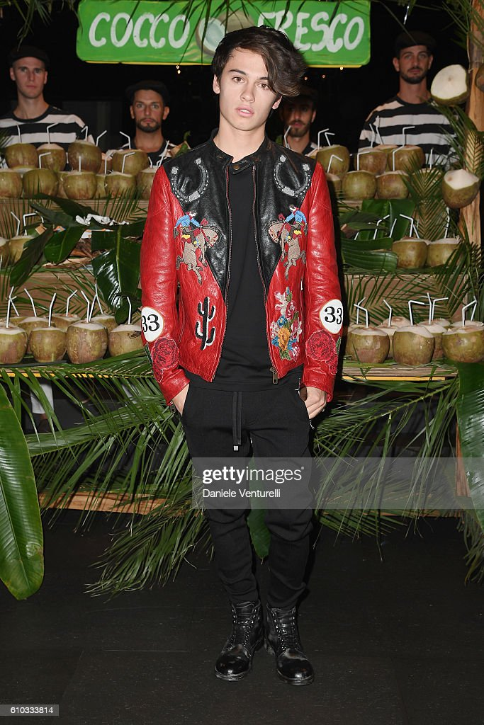 dylan-jagger-lee-attends-the-dolce-and-gabbana-show-during-milan-picture-id610333814