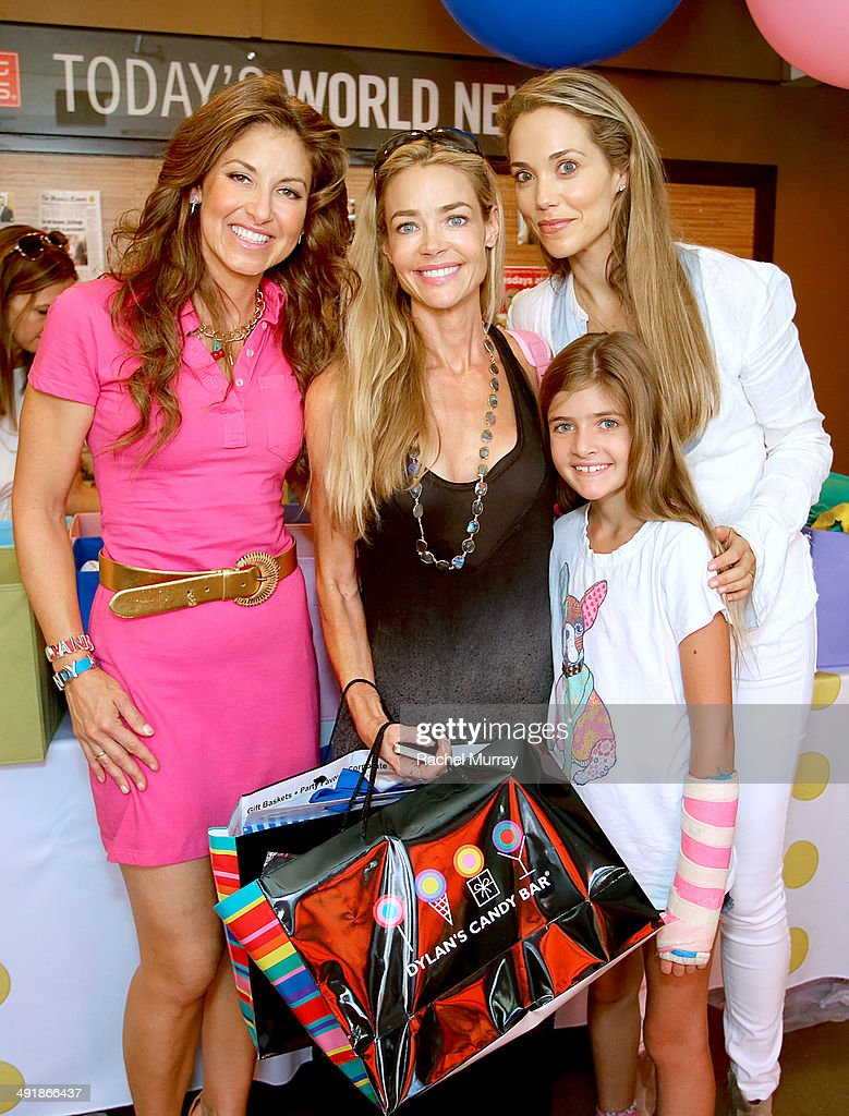 <a gi-track='captionPersonalityLinkClicked' href=/galleries/search?phrase=Dylan+Lauren&family=editorial&specificpeople=243055 ng-click='$event.stopPropagation()'>Dylan Lauren</a>, <a gi-track='captionPersonalityLinkClicked' href=/galleries/search?phrase=Denise+Richards+-+Actress&family=editorial&specificpeople=208108 ng-click='$event.stopPropagation()'>Denise Richards</a> and Elizabeth Berkeley Lauren attend Dylan's Candy Bar Candy Girl Collection LA launch event at Dylan's Candy Bar on May 17, 2014 in Los Angeles, California.