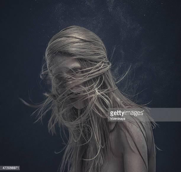 Dynamische Frisur