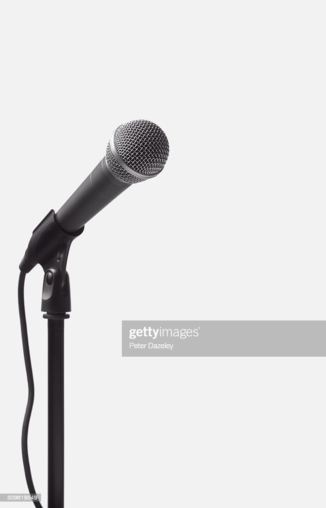 Dynamic microphone on stand