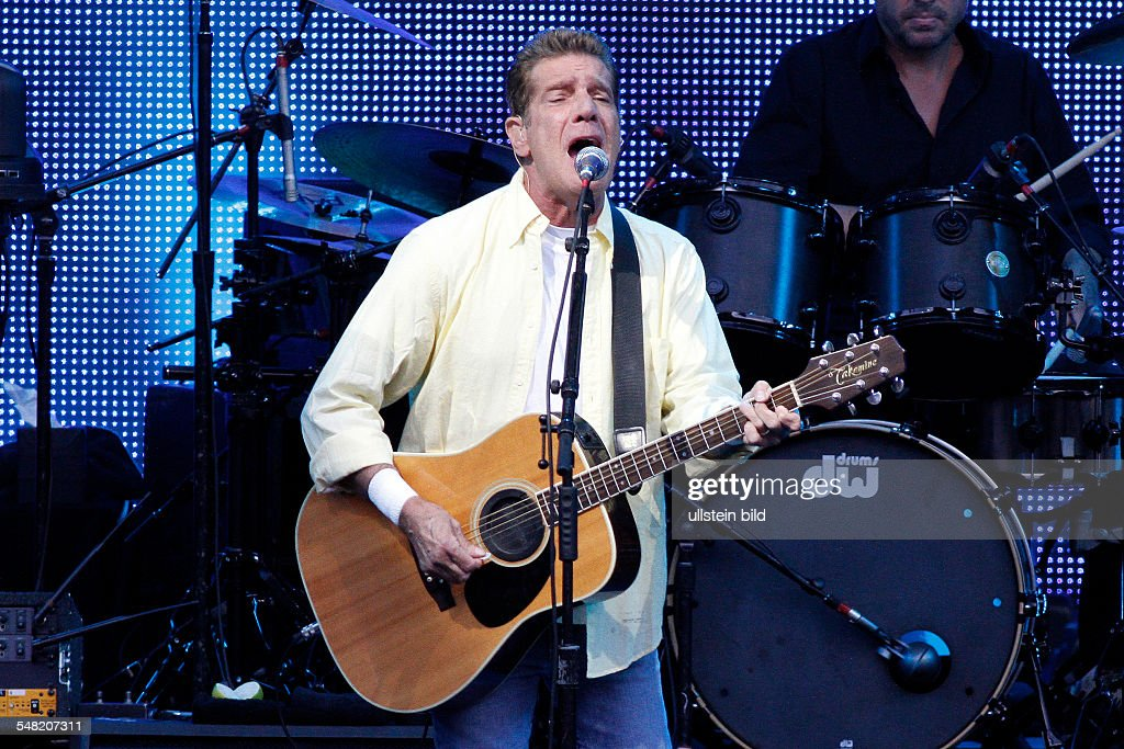 Eagles - Band, rock music, USA - Singer and Guitarist <a gi-track='captionPersonalityLinkClicked' href=/galleries/search?phrase=Glenn+Frey&family=editorial&specificpeople=223995 ng-click='$event.stopPropagation()'>Glenn Frey</a> performing in Berlin, Germany, Waldbuehne