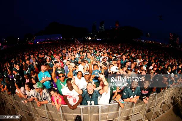 Eagles fans cheer prior to their overall pick by the Philadelphia Eagles during their during the first round of the 2017 NFL Draft at the...