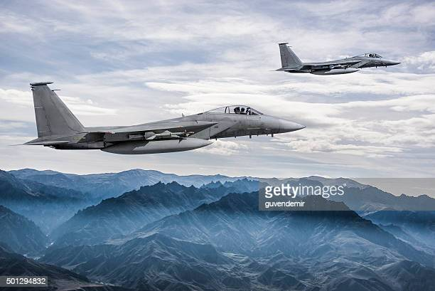 F - 15 aigles en vol